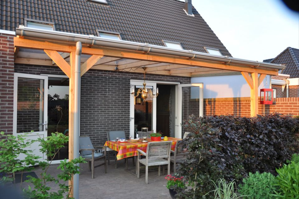 Terrasoverkappingen op maat in ijsselstein utrecht - Terras met houten pergolas ...